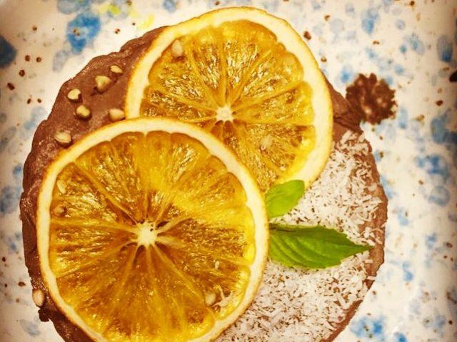 Tartelete de alfarroba e laranja