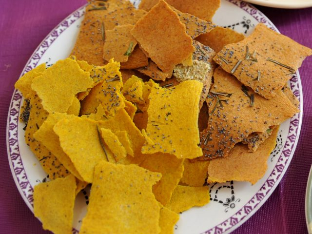 Flax sprouts crackers with Tumeric and Coriander